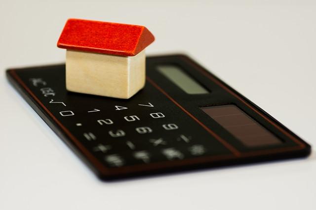 house-calculator-calculations-analysis